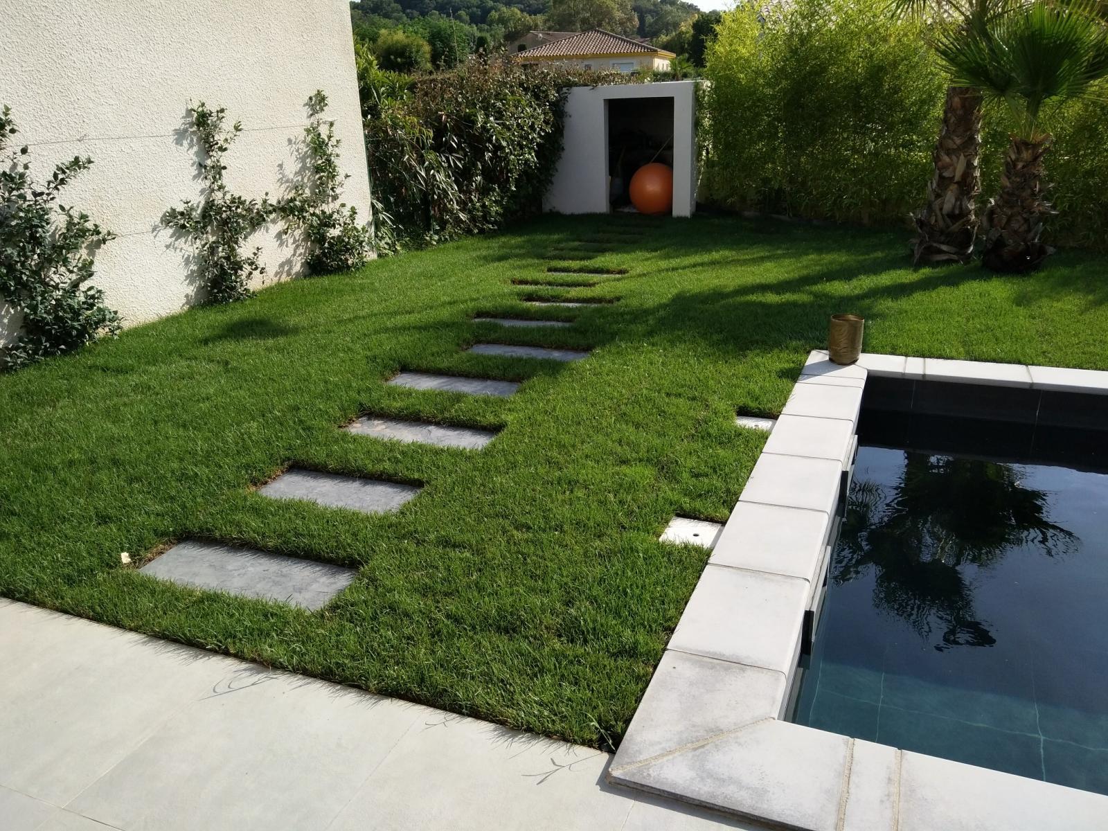 gazon sem gazon en plaque gazon synth tique vert. Black Bedroom Furniture Sets. Home Design Ideas